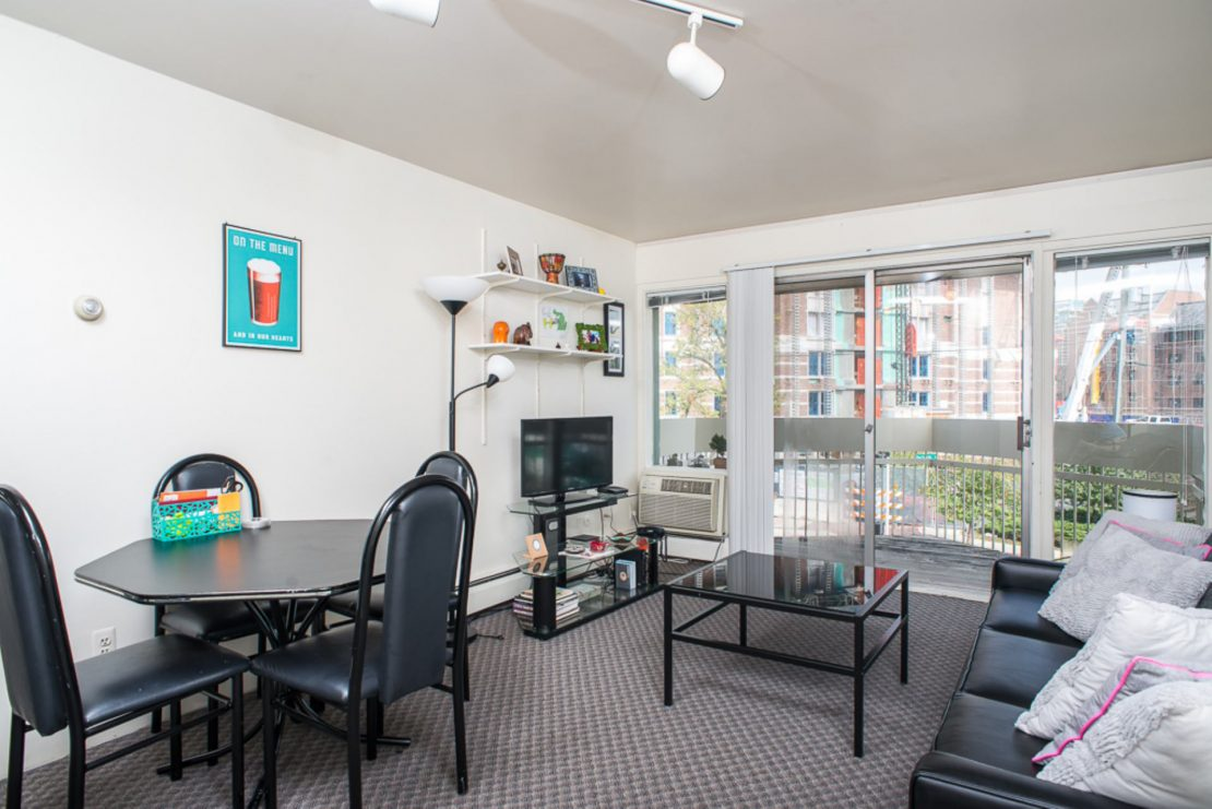406 Packard 1 Bedroom 2 Bedrooms Apartment Are