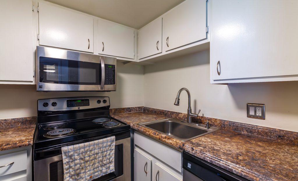 Geddes Hill 1700 Geddes Avenue 1 Bedroom 2 Bedrooms 3 Bedrooms In Ann Arbor Apartments